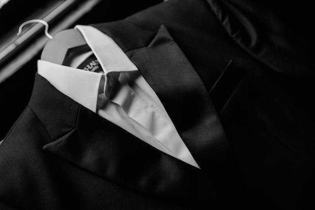 Detail of the suit that the groom will wear at his wedding